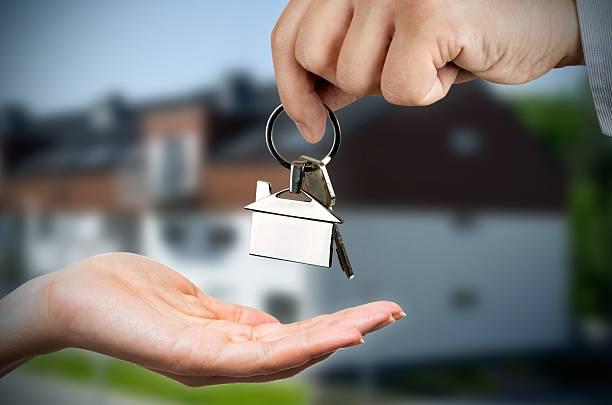 Huis kopen? Zet een makelaar in